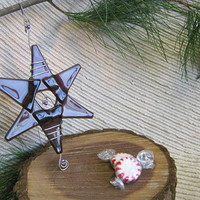 Christmas Decoration / Hanukkah Decorations / Glass Star Medium / Suncatcher / Hanukkah Star - Purple Glass