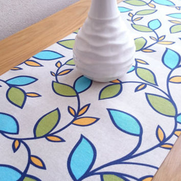 NEW!! Colorful Leaf Table Runner, Modern Table Runner, Colorful Table Cover, Kitchen Table Decor, Wedding Table Runner, Floral Table Runner