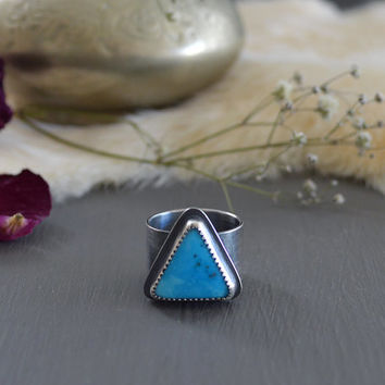Natural Candelaria Turquoise & Sterling Silver Ring / Rare Gem / Triangle Geometric Stone / Boho Jewelry / Crossed Arrows / Fits US Size 6