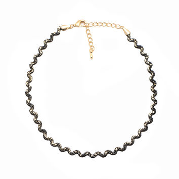 Two Tone Wavy Chain Choker Necklace