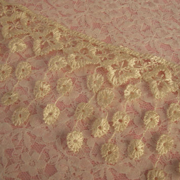 Lace Fringe Trim,Ivory,Victorian Style Lace ,Venise Lace Trim,Bridal Accessories,Altered art,Scrapbooking,Doll Apparel,Decorative Lace Trim