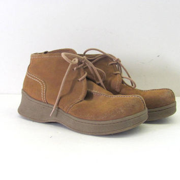vintage leather moccasin ankle boots. women's size 8 // chukka boots