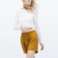 Flowing shorts with belt