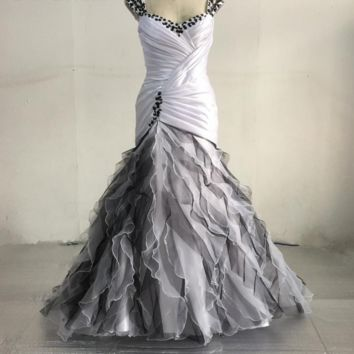 Black White Wedding Dresses New Collection Strapless Sweetheart Neck A line Draped Layer