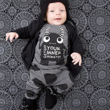 New 2016 baby boy clothes infant clothes cotton little monsters long sleeve t-shirt+pants kids 2pcs suit baby girl clothing sets