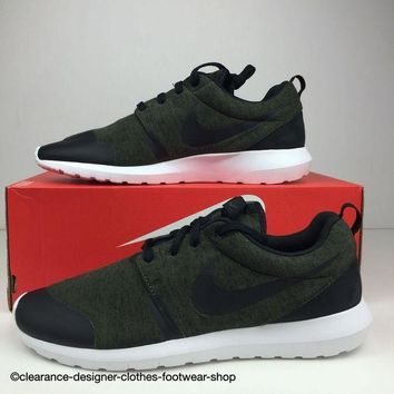 ONETOW NIKE ROSHE NM TP TRAINERS ROSHERUN TECH PACK FLEECE MENS SHOES UK 11.5 RRP ?110