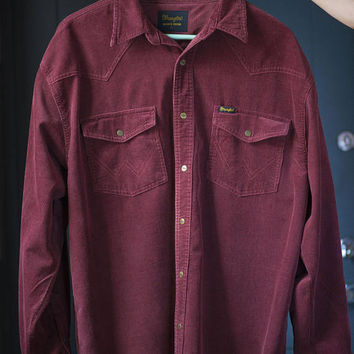 Western Corduroy Shirt Wrangler vintage. Long Sleeve Men's Shirt Brownish red colour. Men's Shirt Size XL Regular fit Men Shirt Snap closure