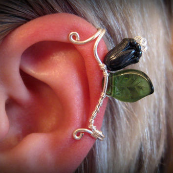 Anglachel Ear Cuff elvish Tolkien green leaf leaves black flower rose silver wire glass bead LOTR Lord of the Rings