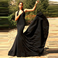Sexy Backless Black Prom Dresses Mermaid Robe de Soiree Halter Sleeveless Sweep Train Satin Evening Party Gown Long