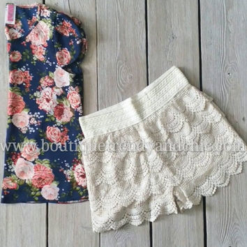 CROCHET SHORTS(Ivory and Black available!)