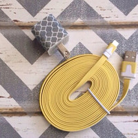 New Super Cute Grey & White Moroccan Designed USB Wall Connector + 10ft Flat Yellow IPhone 5/5s/5c Cable Cord
