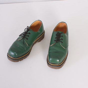 Vintage 90s Dr Martens Oxfords / 1990s Green Leather Square Toe Lace-Up Women's Docs Shoes 6 1/2