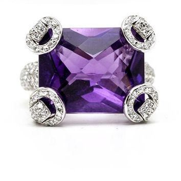 Gucci 18k White Gold Amethyst Diamond Horsebit Ring