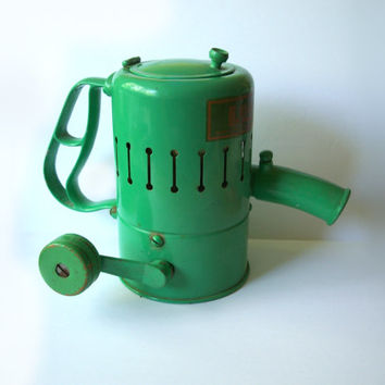 Vintage Green Root-Howell Garden Sprayer Duster Chemical Fertilizer Advertising Collectible