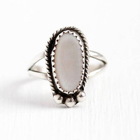 Sterling Silver Ring - Vintage Southwestern Pink Mother of Pearl - Size 6 1/2 Retro Native American Oval Shell Gem Split Shank Jewelry