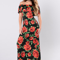 Sinking Into The Sand Dress - Black/Red