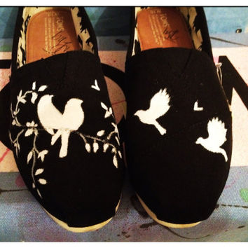 Custom Toms shoes /birds by CustomTOMSbyJC on Etsy