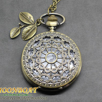 Retro Style Antique Bronze Spider Web Pocket Watch With Leaf Necklace
