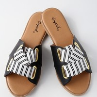Fuente Black Slide Sandals