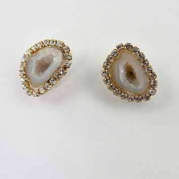 SALE 35% OFF Tabasco Geode Stud Earrings Stone Jewelry Ivory Gold Druzy Slice Diamond Look Bezel Swarovski Crystal - Blanche