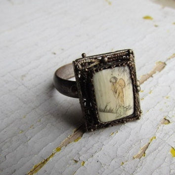 Antique Ivory Ring / Asian Motif Painted Ivory Ring c.1900