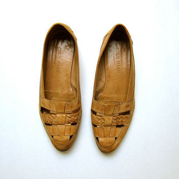 vintage woven leather flats. braided slip ons. tan nude Cole Haan sandals