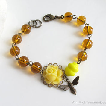 Bee Bracelet. Honey Colour Glass Beads, Yellow Rose, Yellow Hive Czech Glass Bead Antiqued Brass Bracelet