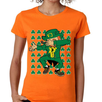 Dabbing Irish Leprechaun St patrick women t-shirt