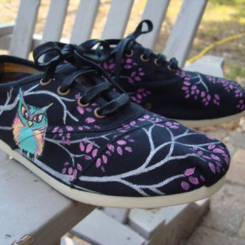 Owls painted on Cordones TOMS shoes by ArtfulSoles on Etsy
