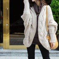 Cuddly Coat in Beige