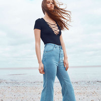 Rollas East Coast High-Waisted Blue Flared Jeans - Urban Outfitters