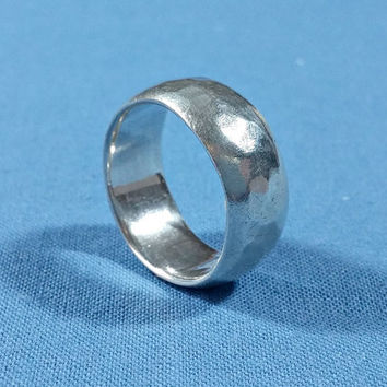 Ladies Wide Silver Band Ring Size 5.5 BASK 925 Hammered Exterior Texture and Look Solid Well Made Sterling Ring