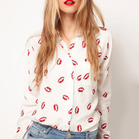 White Lapel Long Sleeve Lips Print Blouse -SheIn(Sheinside)
