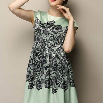 Green Short Sleeve Lace Applique High Waist Pleated A-Line Mini Dress