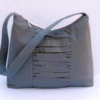 READY TO SHIP / Medium Zipper Top Purse / Hobo Bag / Shoulder Bag / Charcoal Gray Grey with Gathered Panel