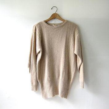 vintage Liz Claiborne sweater. Creamy buff oatmeal sweater. wool sweater