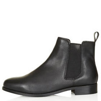 MONTH Chelsea Boots