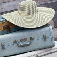 Let's Go to Venice Beach Hat in Grey