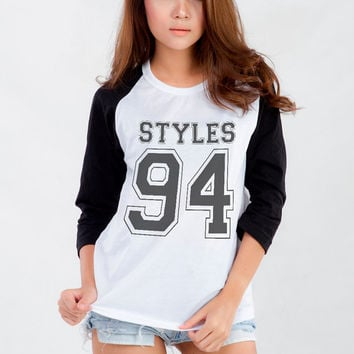 Harry Styles One Direction T-Shirt Sweatshirt for Teen Teenage Girl Teenager Tumblr Instagram Clothes Clothing Fashion Shirt Birthday Gifts