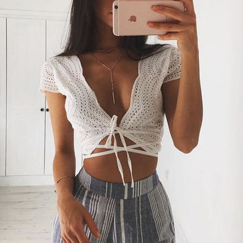 Sexy Low-Cut Short-Sleeved Embroidered Shirt