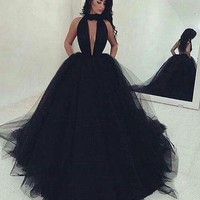 Sexy Backless Ball Gown Black Tulle Prom Dresses Long 2017 Ruched Deep V Neck Sweep Train Prom Gowns