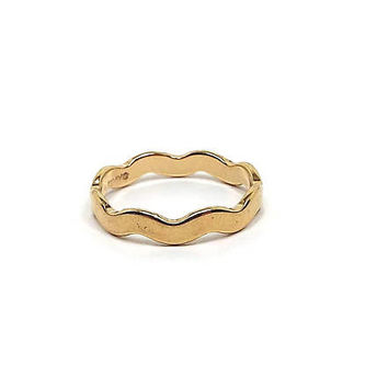 Vintage Avon Ring Wavy Gold Tone Band Retro 1980s 80s Womens Minimalist Jewelry Size 8
