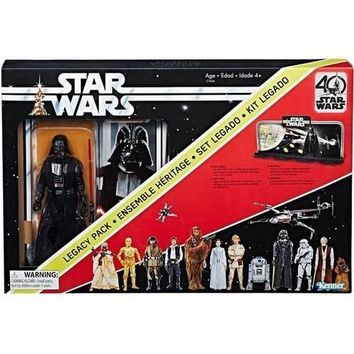 Star Wars The Black Series 40th Anniversary Display Diorama with Darth Vader 6-Inch Action Figure Legacy Pack
