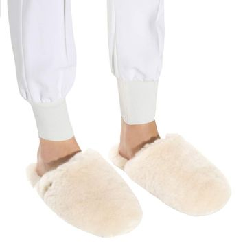 Fur slippers