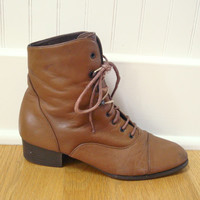 Vintage Leather Boots / Brown Ankle Boots / Granny Booties / 80s Boots / 6 M