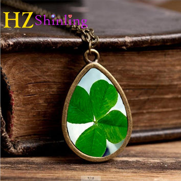 2017 New Four Leaf Clover Necklace Tear Drop Pendant Jewelry Autumn Leaves Photo Pendants Glass Necklaces Lucky Chain