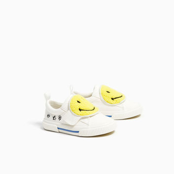 SMILEY FACE SNEAKERS