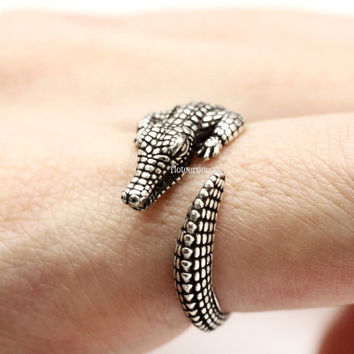 Crocodile Alligator Adjustable Crocodile Animal Rings, vintage ring, wrap ring, antique ring,burnished ring