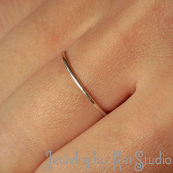 Delicate Ring - Sterling Silver 925 - 16 gauge - gift packing