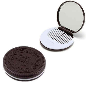 Portable Chocolate Cookie Shaped Design Round Makeup Mirror Comb Set